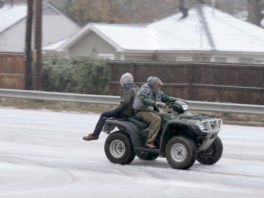 _media_USATODAY_test_2013_12_26__1388090926000-AP-Cold-Snap-Arkansas.jpg