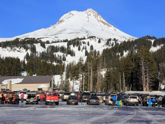 SAL0118-Ski Area Weekend