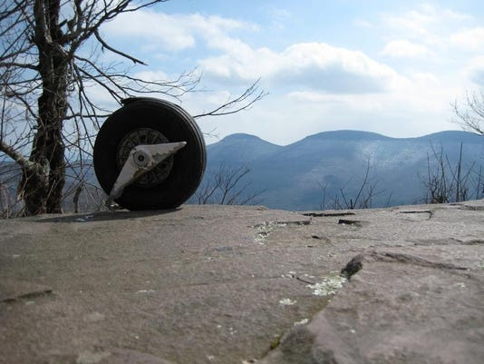 067 Windham High Peak, site of glider crash[1].JPG