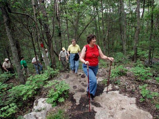 -0709_hiking1.jpg_20070709.jpg