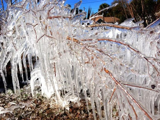-East Hill icicle formations 8.jpg_20140108.jpg