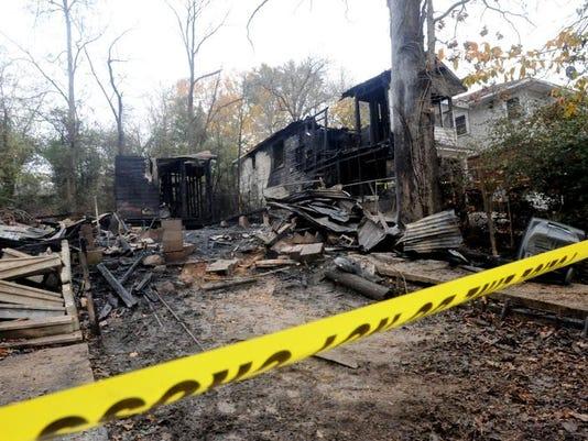 -SHR 1210 Fire death2.jpg_20131209.jpg