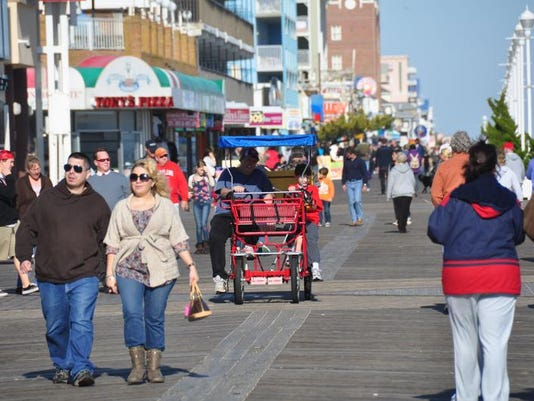 -TM oc boardwalk 2.JPG_20111128.jpg