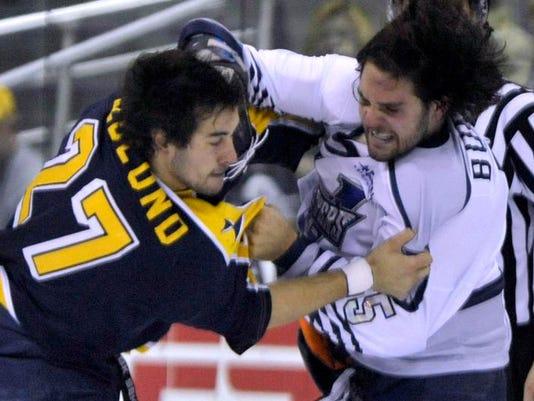 -Flyers vs Surge 3.jpg_20140117.jpg