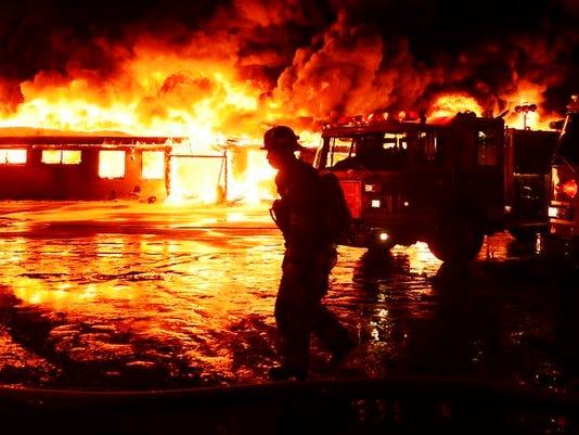 -Bowling Alley Fire.JPEG-08199.jpg_20140112.jpg