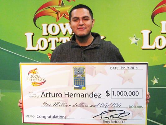 Photo of Arturo Hernandez