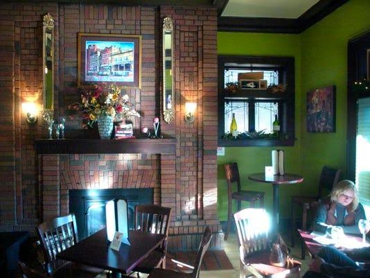 stc 0129 veranda lounge.jpg
