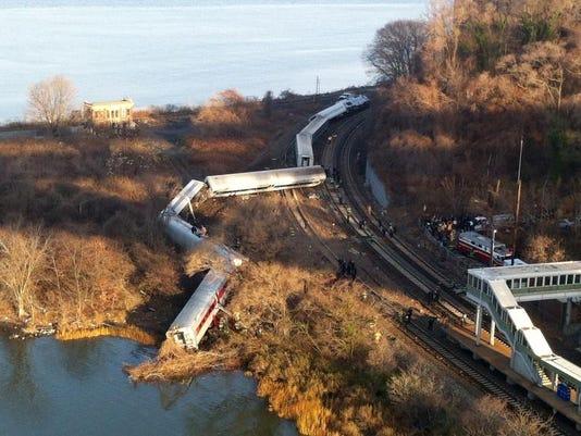 THIRD -NYC Train Derailment.JPEG-0eae2.jpg_20131215.jpg