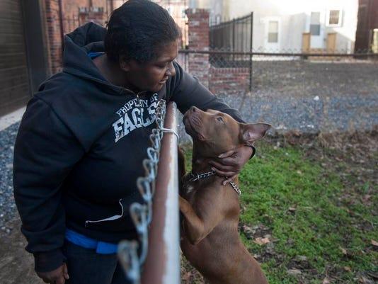 -CHL 1229 dog bites cop.jpg_20131228.jpg