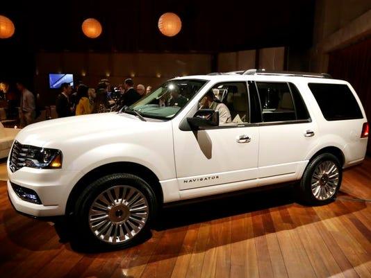 Lincoln New Navigator