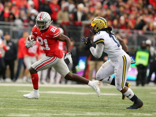 Michigan linebacker Devin Bush chases down Parris Campbell at Ohio Stadium this past season.