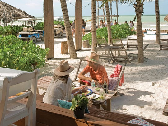 The beachfront restaurant Mandarina Beach Club.