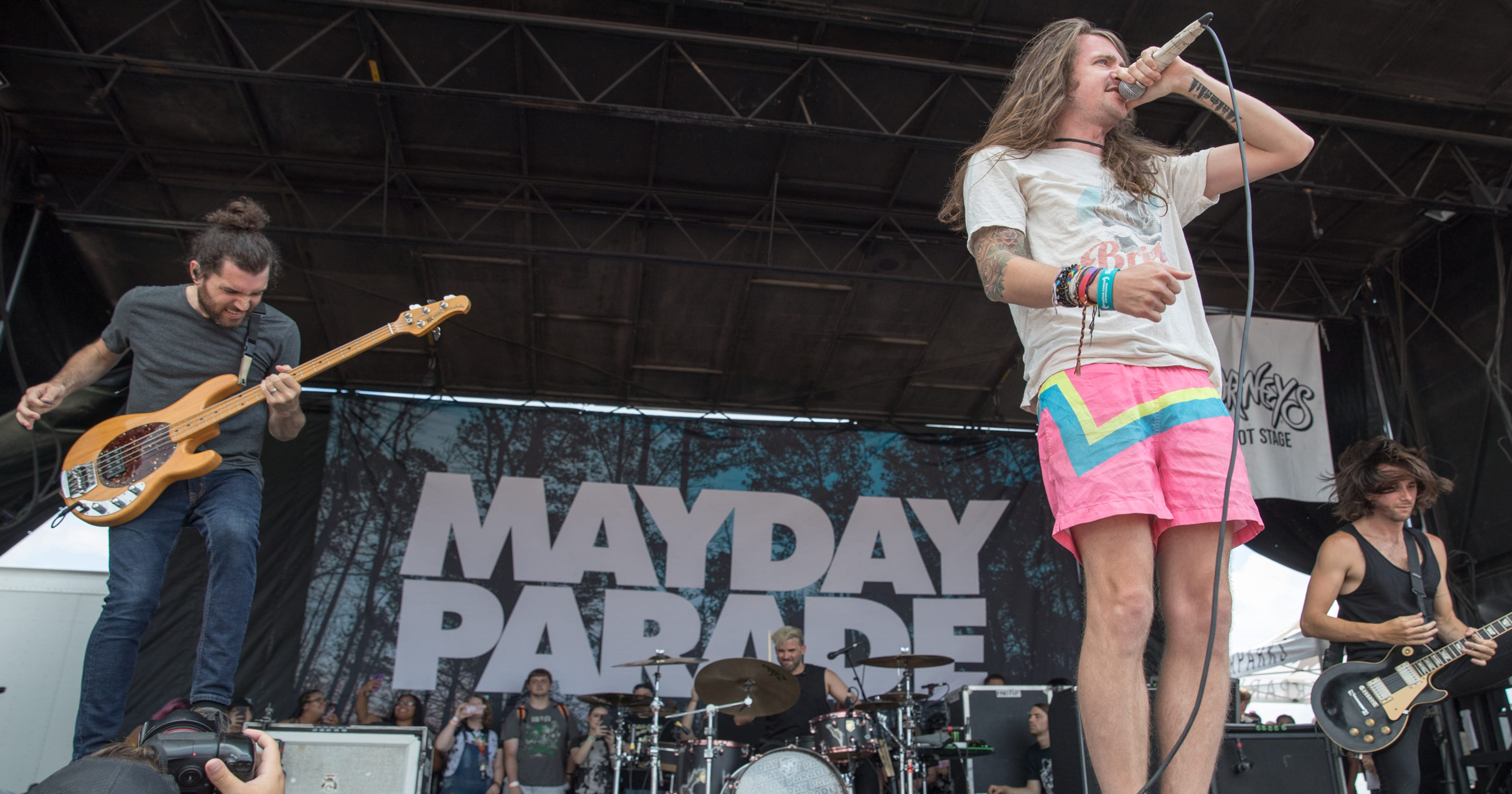 unpredictable fun reigns at final vans warped tour visit to indiana