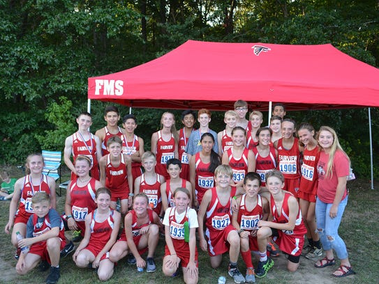 Fairview Middle School's 2017 cross country teams.