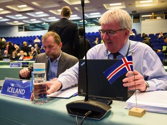 Johann Gudmundsson, right, of Iceland's fishing ministry,