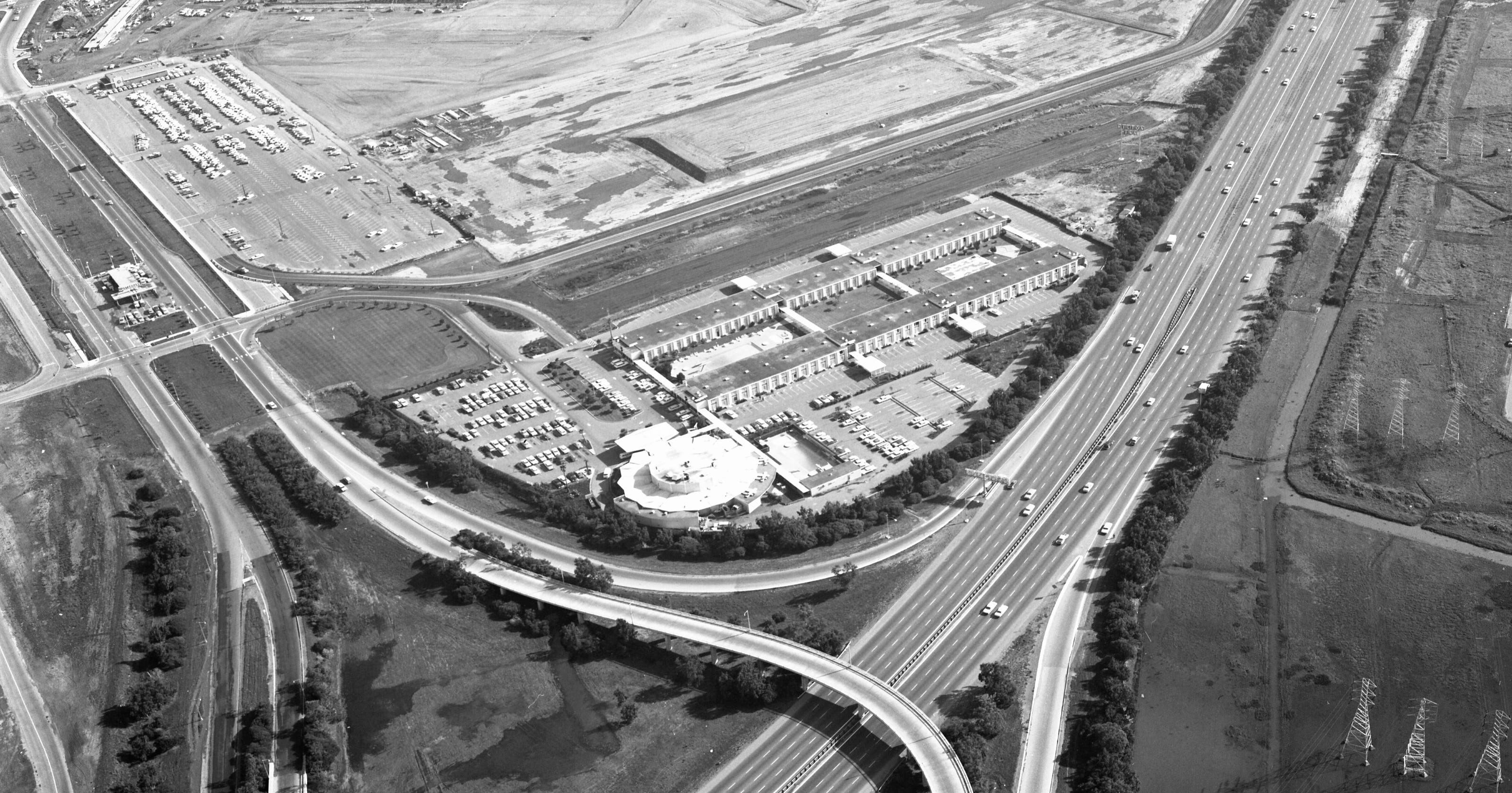 A short history of the first airport hotels