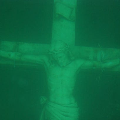 Petoskey's underwater crucifix viewing canceled because of weak ice