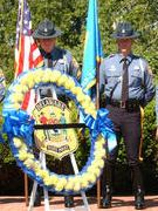 State police wreath.PNG