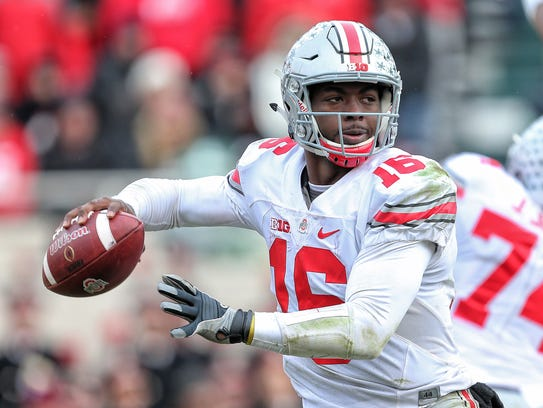 Ohio State's J.T. Barrett faces the Spartans for a