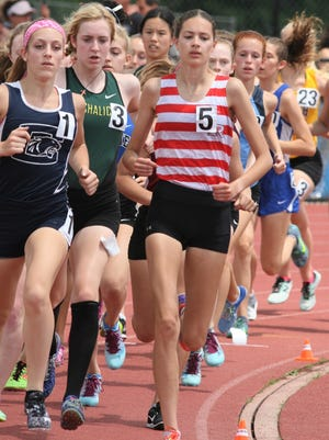 Glen Ridge's Liz O'Connell (5) was the Group 1 champion in 1,600 and 3,200 meters.