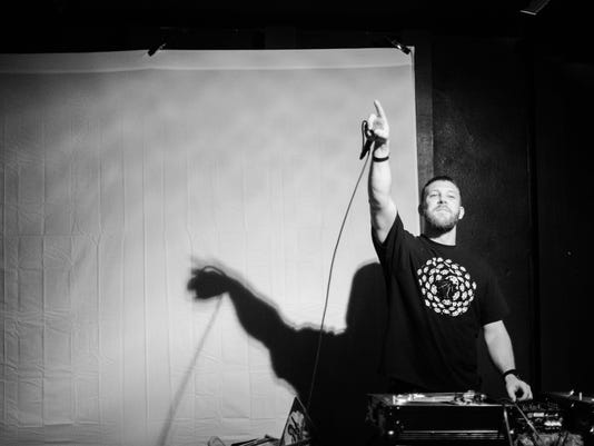 Mike-Live-Cypher1.jpg