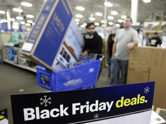 Off the Charts Retailers Get Grinched (2)