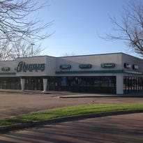 Austad's Golf is for lease at 1501 W. 41st St.