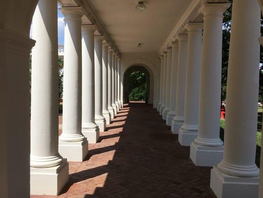 636384905567634993-Rotunda-columns.jpg