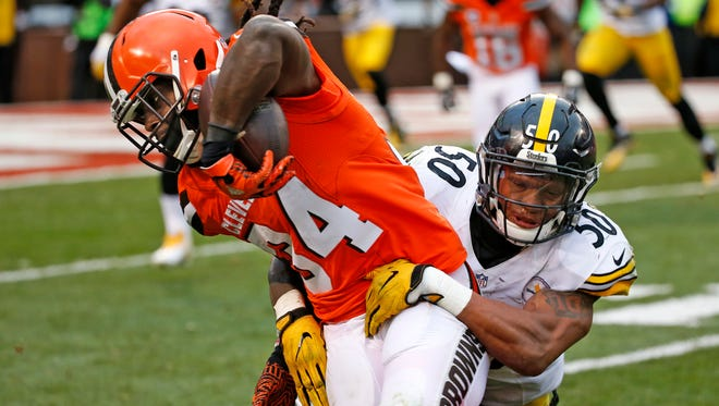 Cleveland Browns running back Isaiah Crowell (34) was once the NFL's second-leading rusher, but hasn't had a 100-yard game since Week 4.