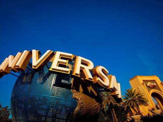 635895969364626213-Universal-Orlando-Globe---LR.jpg