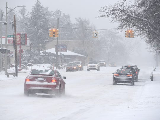 Motorists encounter whiteout conditions along Rochester