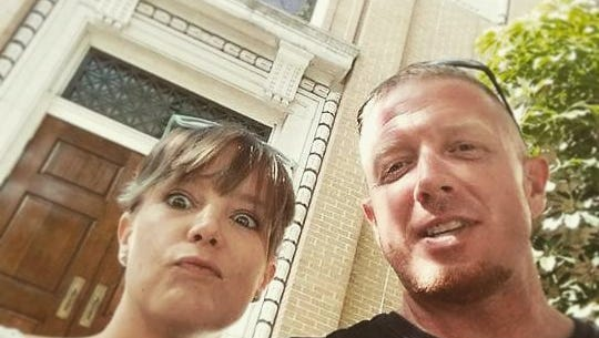 Melissa and Kevin Morris took a divorce selfie to avoid the awkwardness in the aftermath.