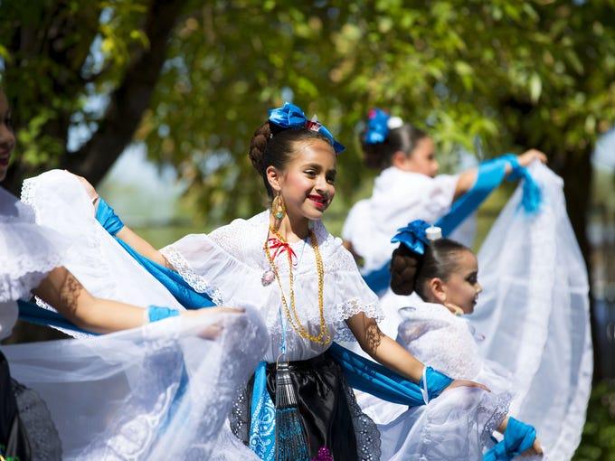 Instituto de Folkor Mexicano dancer, Vianna Colazo,