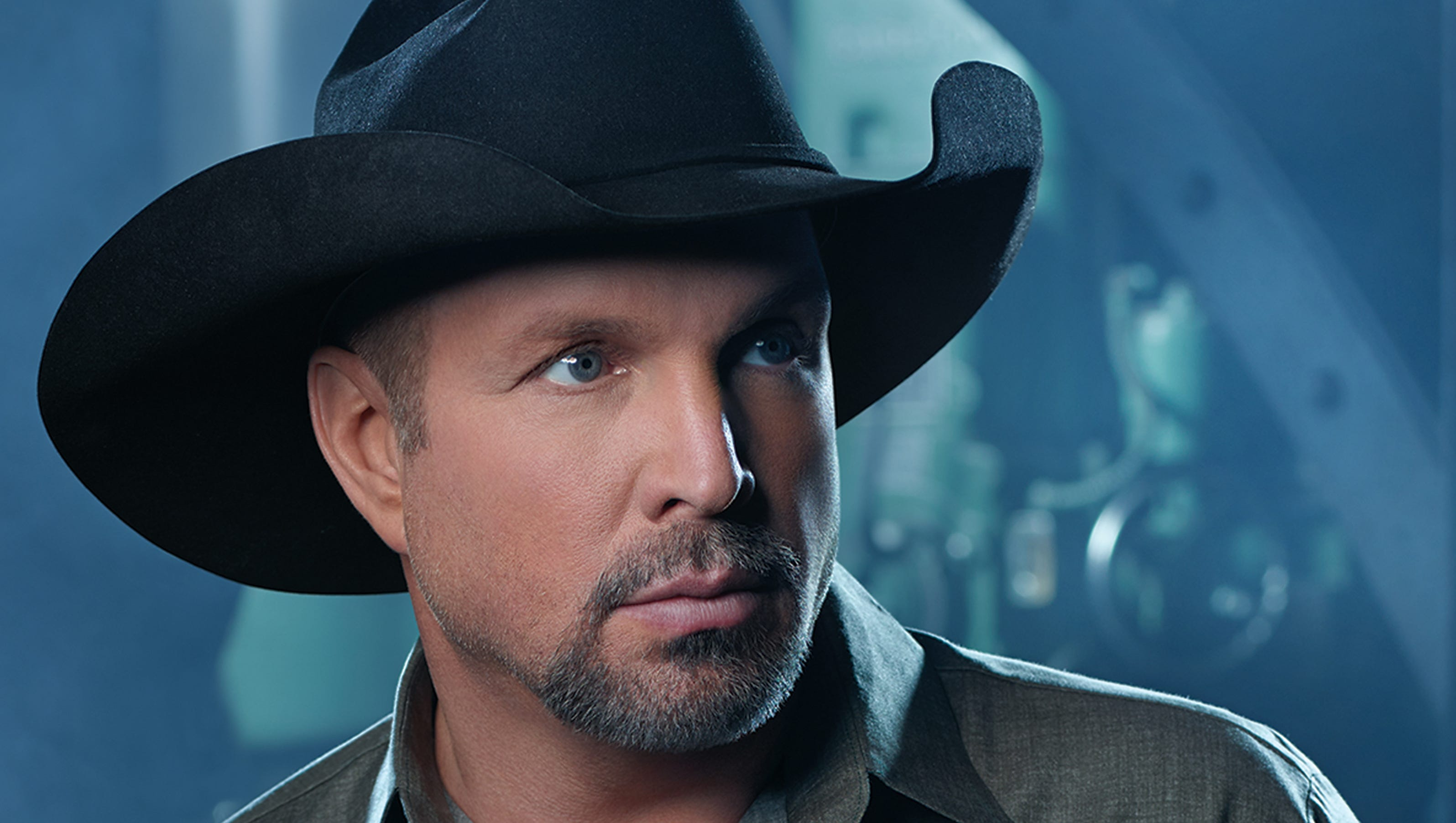 a biography of garth brooks Troyal garth brooks (born february 7, 1962) is an american country music singer and songwriter he uses rock elements in his recordings and live performances brooks .