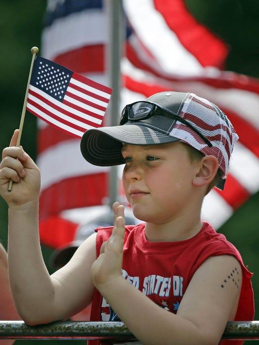 IMG_APC_Flag_Day_Parade__1_1_C1M5CJTF.jpg_20180611.jpg