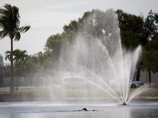 Divers with Naples Fire-Rescue search for supplementary