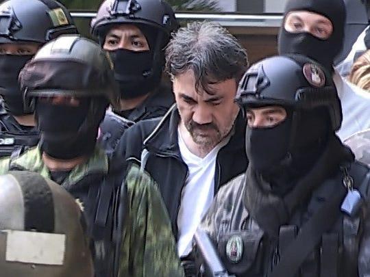 """Dámaso López, alias El Licenciado y considerado el sucesor de Joaquín """"el Chapo"""" Guzmán, es trasladado a la fiscalía mexicana."""
