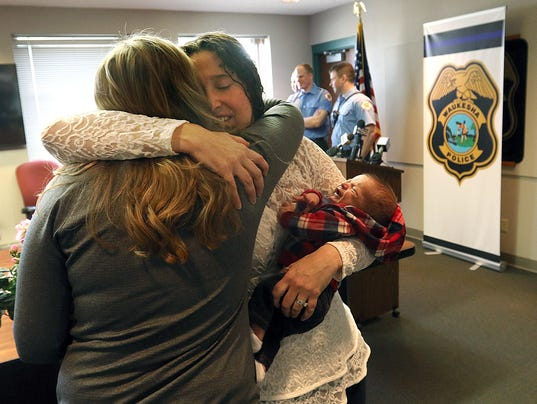 Baby Jack delivered at home with dispatchers help