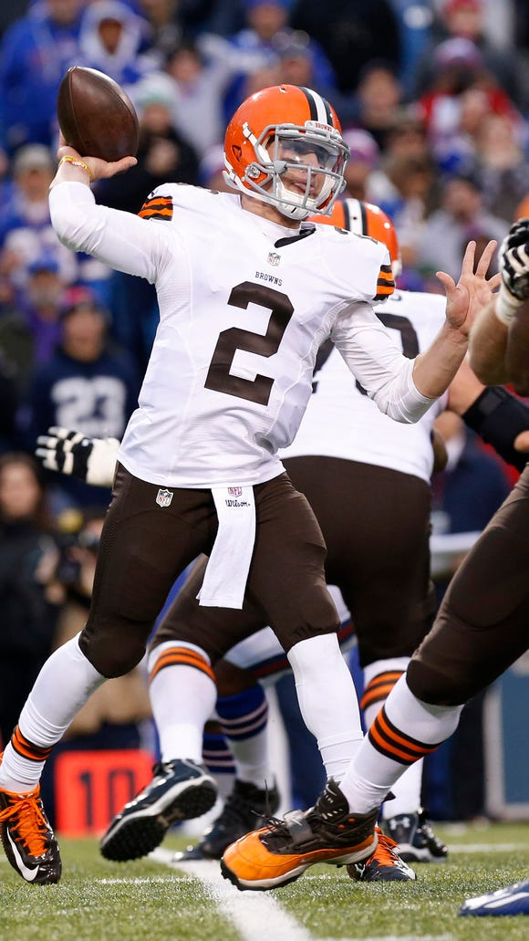 The Browns won't start Johnny Manziel at quarterback vs. the Colts on Sunday according to a report.