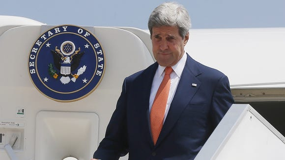 Secretary of State flies United after Air Force 757 breaks down