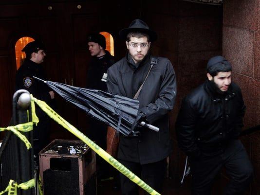 AP NYC SYNAGOGUE ATTACK A USA NY