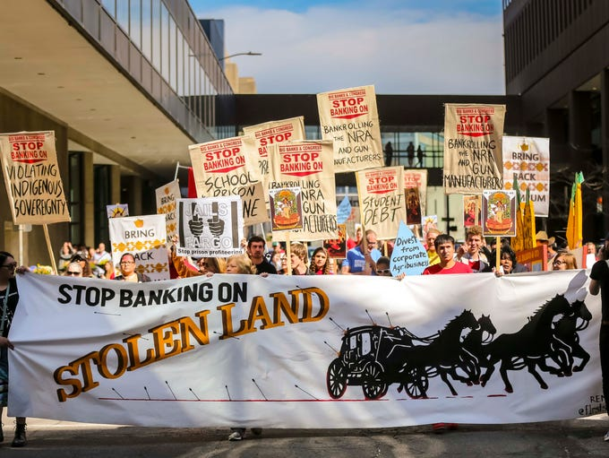 Billion Auto Des Moines >> Photos: Protesters rally outside Wells Fargo shareholders meeting