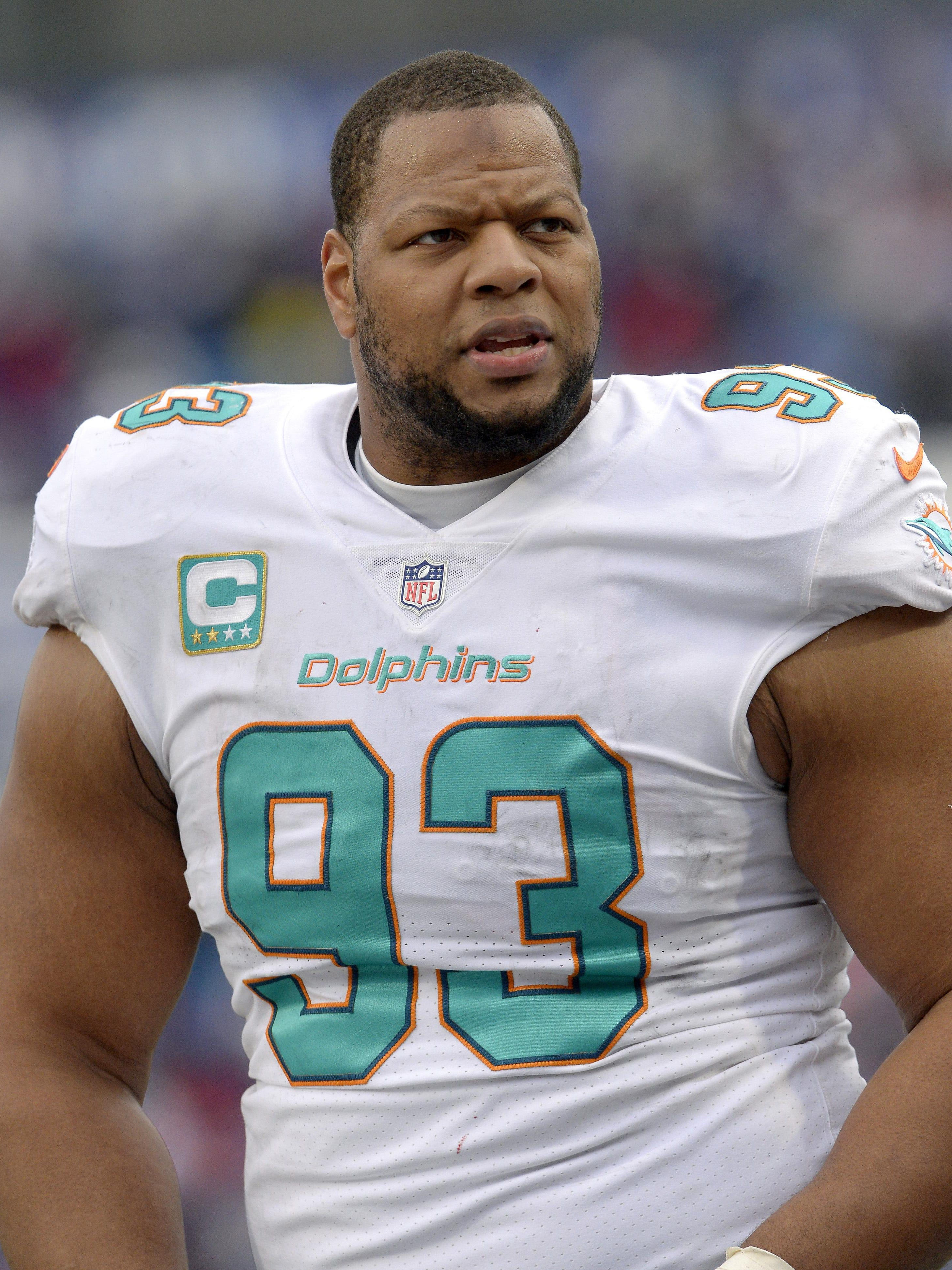 Miami Dolphins release ex Lion Ndamukong Suh