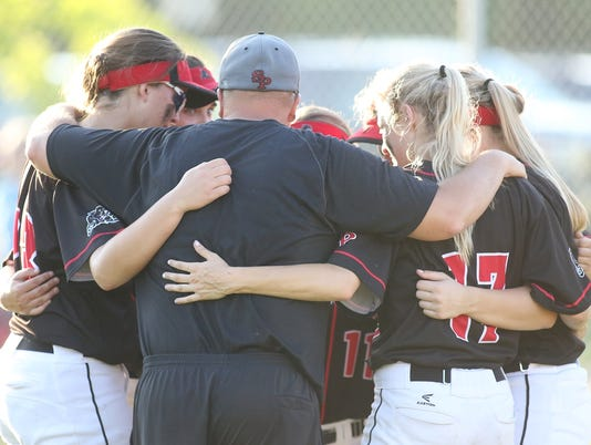636634050328554126-180531-SPASH-CF-Softball-2866.JPG