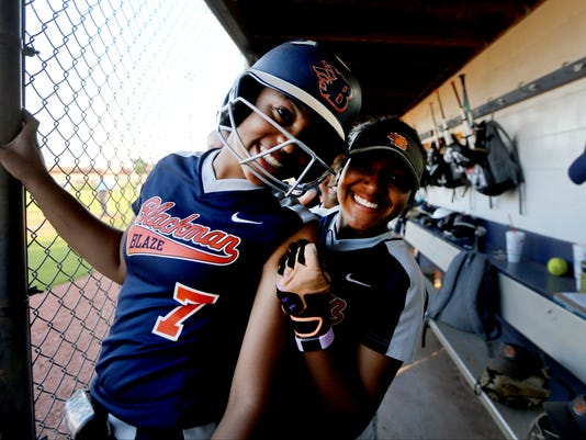 636298880252019952-39-Blackman-vs-Oak-softball.JPG