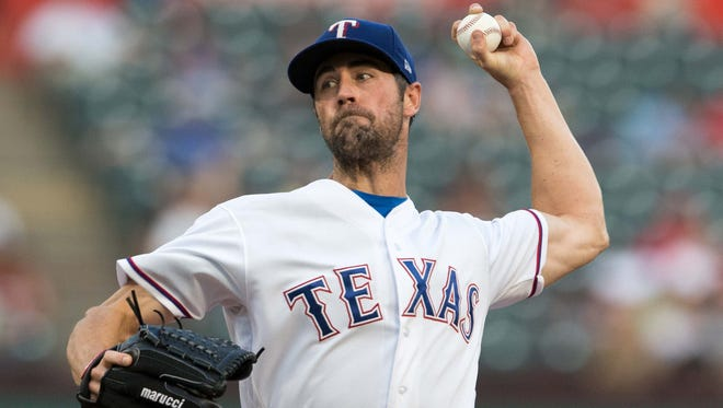 Cole Hamels joined the Rangers in 2015.