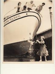 Sharron Sommer christens the Hanna Kildahl, which later