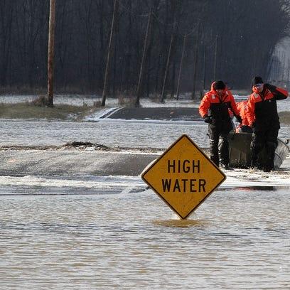-mar flood rescue 4.jpg_20131224.jpg