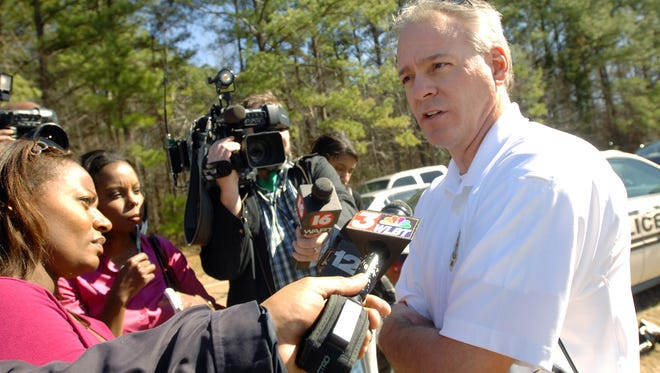 Lt. John Neal of the Ridgeland Police Department speaks to reporters after a 2011 shooting.