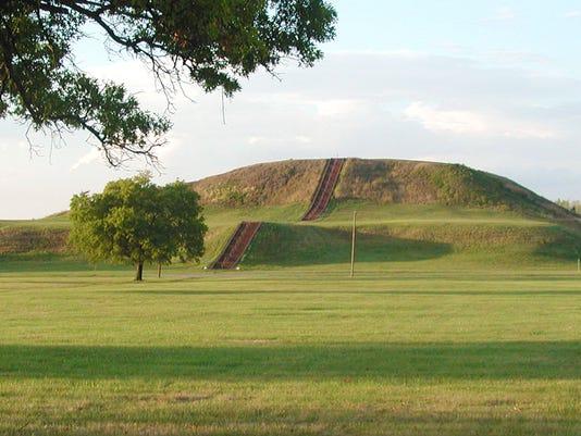 Cahokia-Mounds.jpg